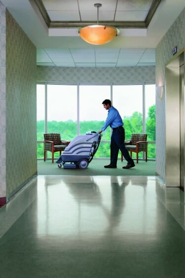 Commercial carpet cleaning expert