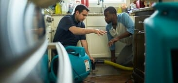 water damage restoration chicago technician
