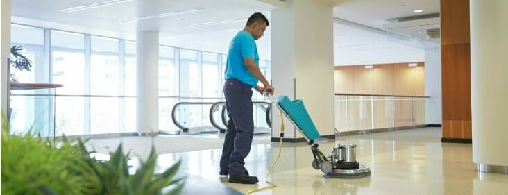 servicemaster tech providing office cleaning services in chicago illinois