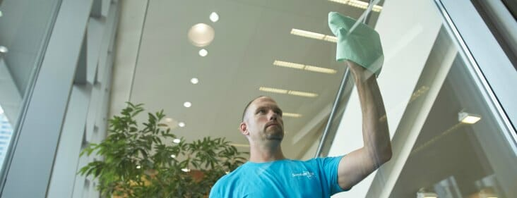 retail store cleaning service