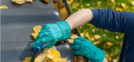 keeping gutters clean