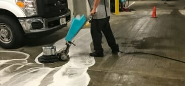 oil clean up contractor in chicago