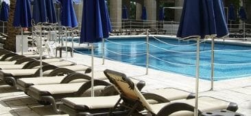 pool deck chicago hotel